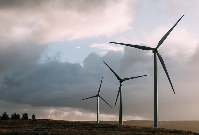 Compañía española de renovables gana arbitraje a República Dominicana pero busca reabrir demanda
