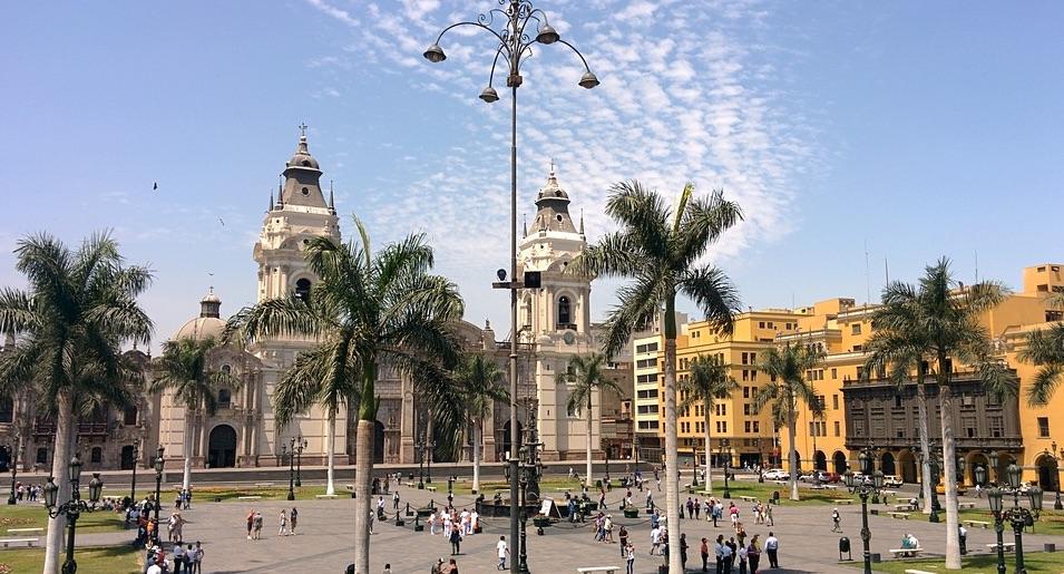 Posibles arbitrajes de inversión contra Perú si continúa política de créditos