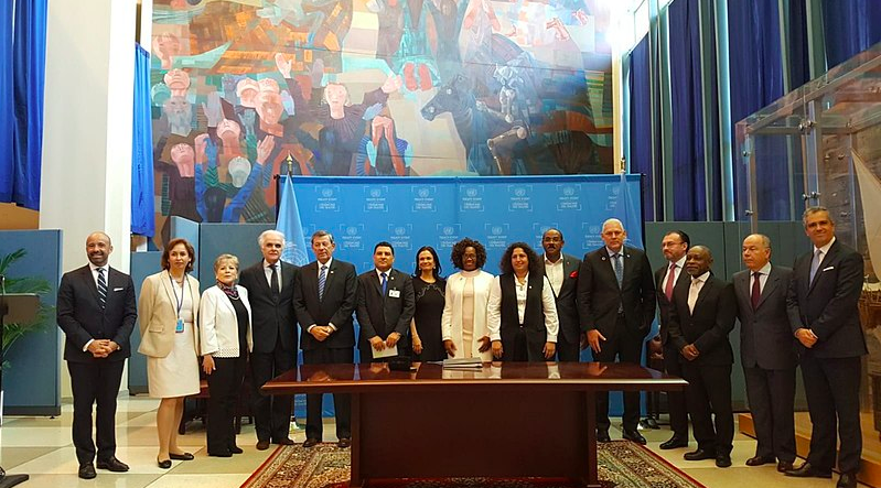 Firma 2018 UN. Autor: Cancillería Argentina CC by SA 2.0