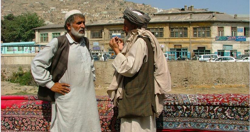 Gobierno talibán busca confianza internacional para atraer inversión extranjera
